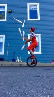 Alé Lou - jonglerie et mouvement